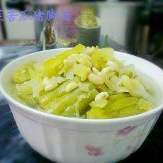 酸菜苦瓜猪脚汤的做法