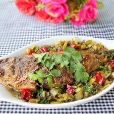 酸菜焖石斑鱼的做法