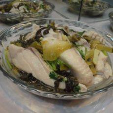 酸菜草鱼腩的做法