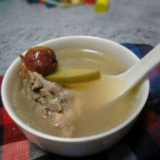 山楂萝卜排骨汤