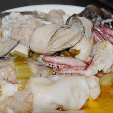 酸菜海鲜锅