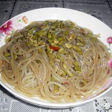 酸豇豆炒红薯粉
