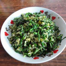 泡菜炒野葱的做法