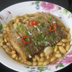 咸鲈鱼烧黄豆的做法