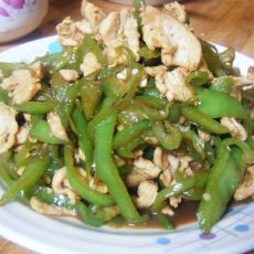尖椒丝炒鸡胸肉的做法
