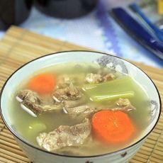 胡萝卜牛腩汤