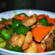 青椒炒鸡腿肉的做法