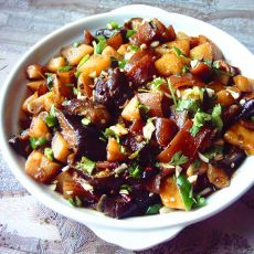 肉皮烧茄子土豆的做法