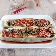 辣椒酱拌茄子的做法