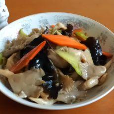 蘑菇炒木耳
