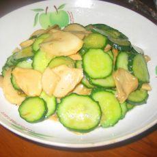 黄瓜片炒杏鲍菇片