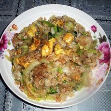 黄瓜包菜丝炒饭的做法