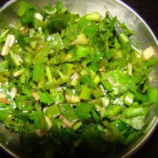 葱花炝香菜的做法