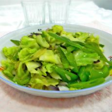 包菜炒尖椒