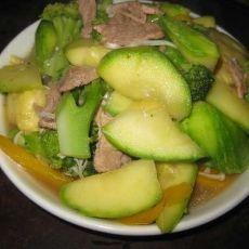 金针菇肉片炒翠玉瓜