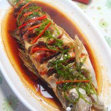 火腿香菇蒸海鲈