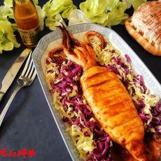 烤鱿鱼配蔬菜沙拉