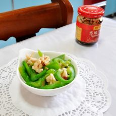 乌鱼花炒青椒