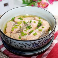 三文鱼蒸肉饼