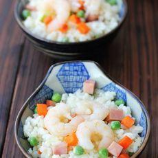 豌豆虾仁炒饭   夏日清新的做法
