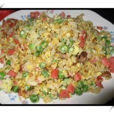 豌豆火腿蛋炒饭的做法
