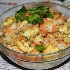 虾仁鸡蛋炒饭的做法