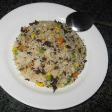 木耳玉米青菜粒红萝炒饭