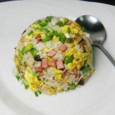 方腿肠香菇蛋炒饭