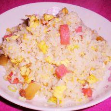 鸡蛋榨菜火腿肠炒饭的做法