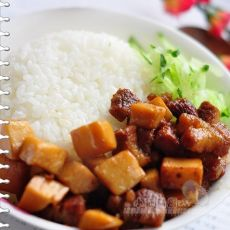 红烧肉杏鲍菇饭
