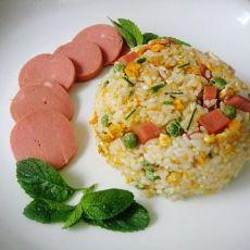 豌豆火腿肠蛋炒饭