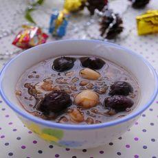 黑米红枣莲子粥