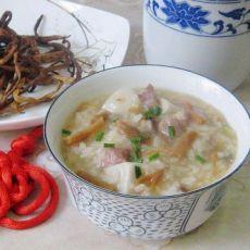 黄花菜咸肉粥的做法