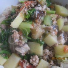 土豆茄丁白菜盖面