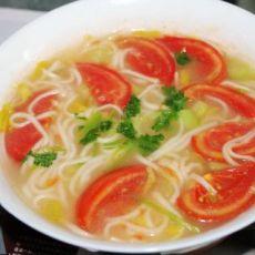番茄素汤面的做法