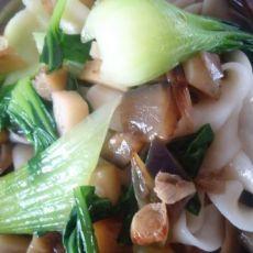 土豆茄丁宽面条