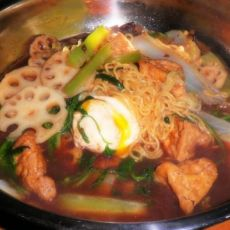 蔬菜热汤面