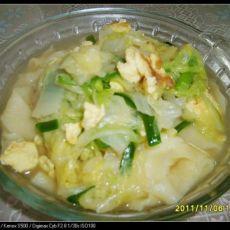 鸡蛋白菜拽面条的做法