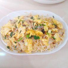 酱香绿豆芽鸡蛋拌面的做法