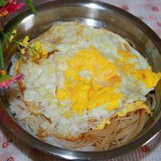 荷包蛋汤米粉的做法