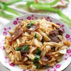 五香牛肉炒米粉的做法