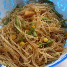 肉丝豇豆炒米粉