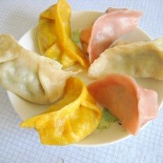 花菇韭菜和牛肉青椒蒸饺的做法
