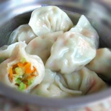胡萝卜芹菜饺子的做法