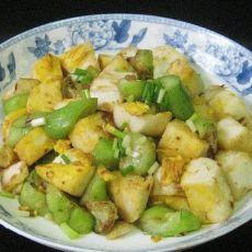 丝瓜鸡蛋炒馒头的做法