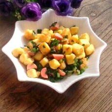 韭菜炒馒头丁的做法