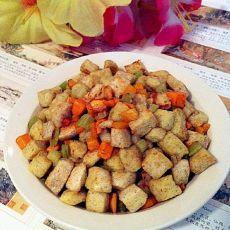 芹菜胡萝卜丁炒馒头