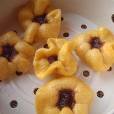 南瓜豆沙石榴包的做法