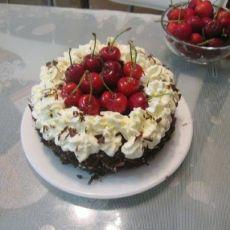 樱桃黑森林蛋糕