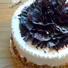 """""""花样的年华""""生日蛋糕 ―巧克力铲花装饰"""